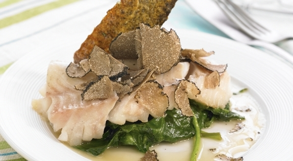 Bacalao con trufa y espinacas