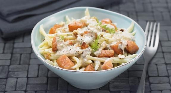 Receta de pasta con salmon y frutos secos