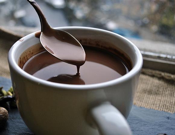 chocolate caliente para acompañar las fiestas. Imagen licencia cc. http://tr.im/4mhg5