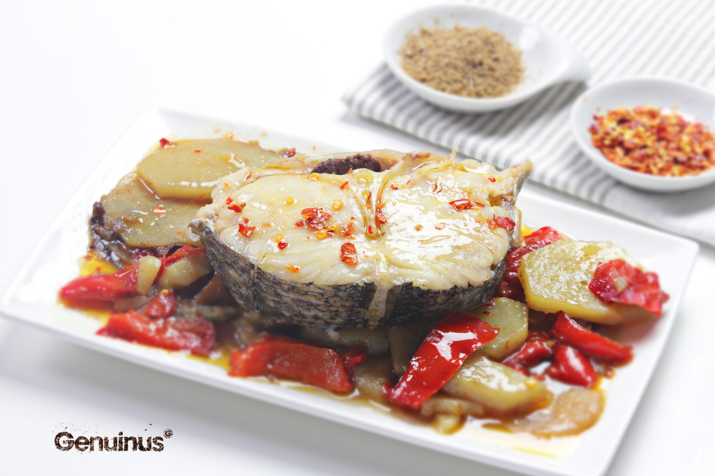 merluza con pimientos y patatas