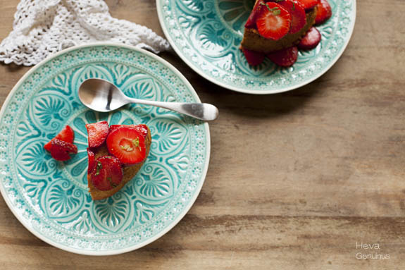 Bizcocho de claras con fresas