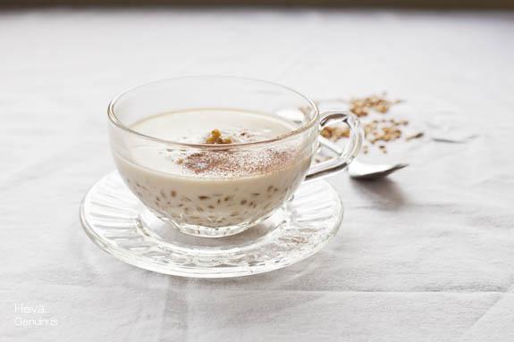 Espelta integral con leche de almendras y avellanas Heva