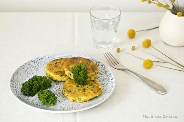 pancakes de kale y queso de cabra