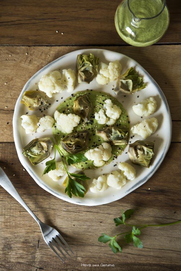 Verduras al vapor con humus de calabacín